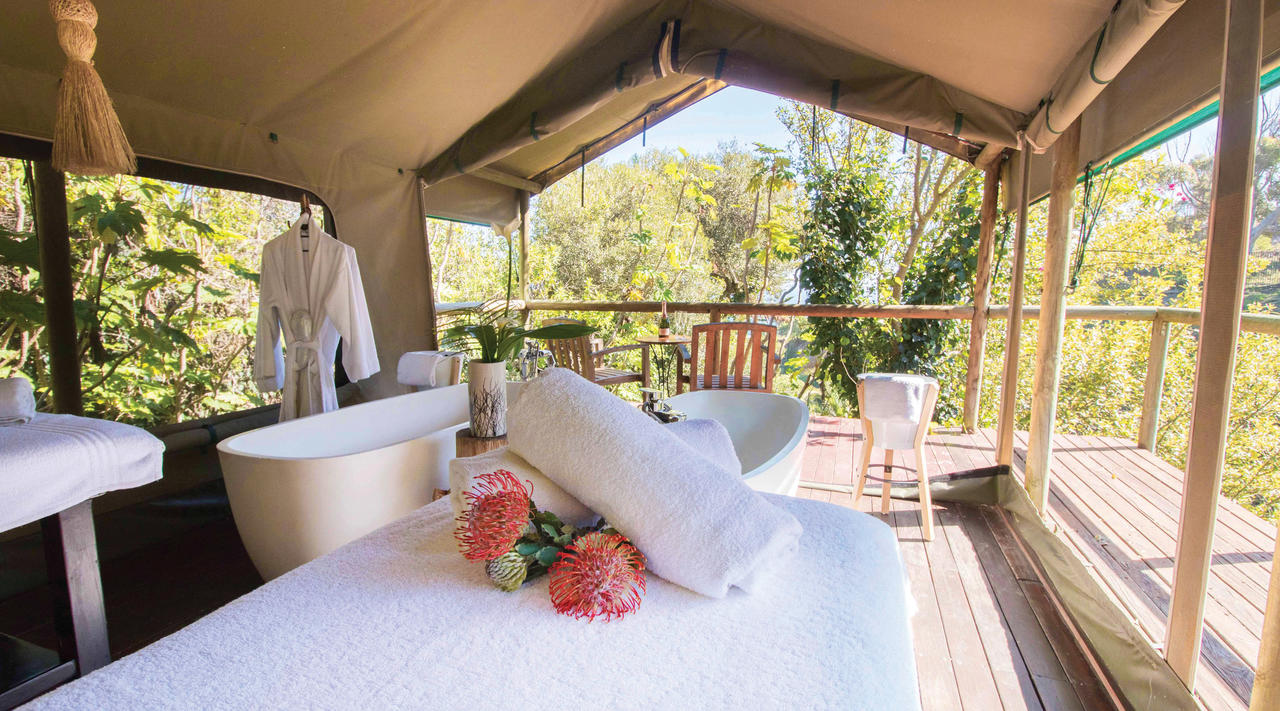 ... Romantic escape Enjoy a romantic afternoon in our spa nature tent ... & Camps Bay Retreat - Photos