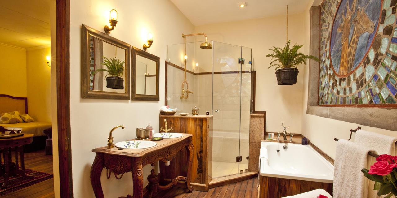 ... Garden Manor Bathroom   Kellyu0027s ...
