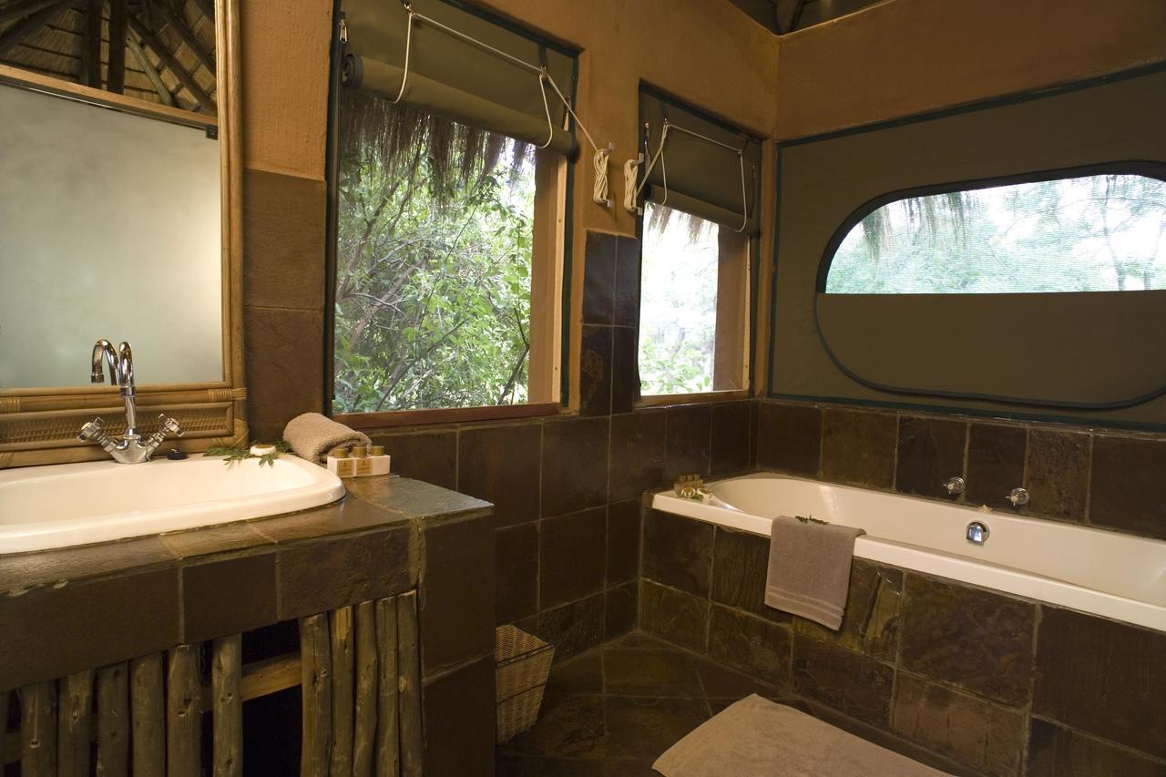 African Safari Bathroom Decor   Jungle Themed Bathroom Design Ideas Red Safari  Bathroom Decor Part 15