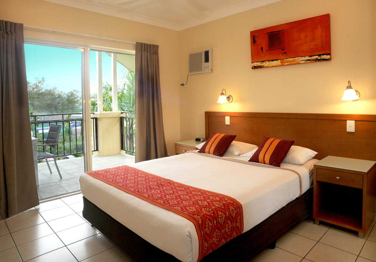 bay village tropical retreat & apartments - photos