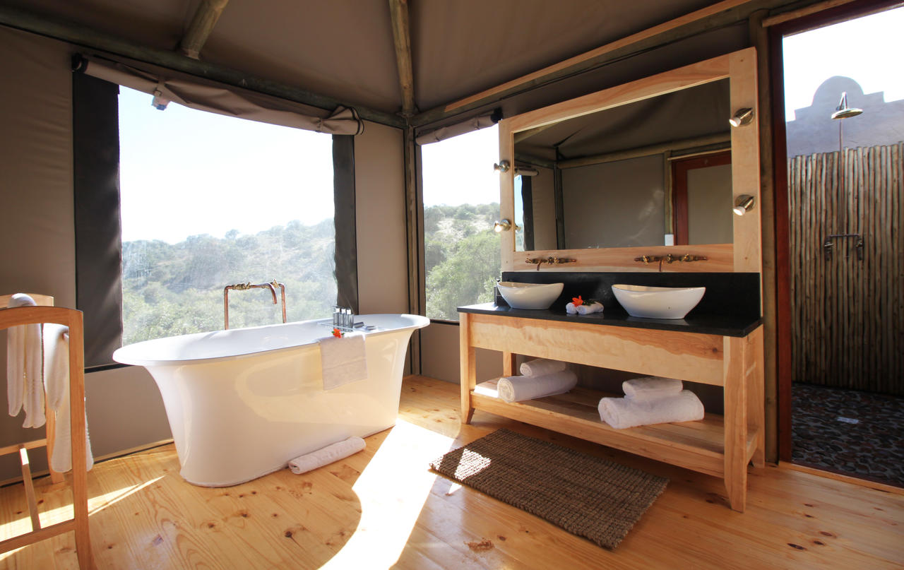 ... Luxury Safari Tent - Bathroom Luxury Safari Tent ... & Amakhala Bukela Game Lodge - Photos