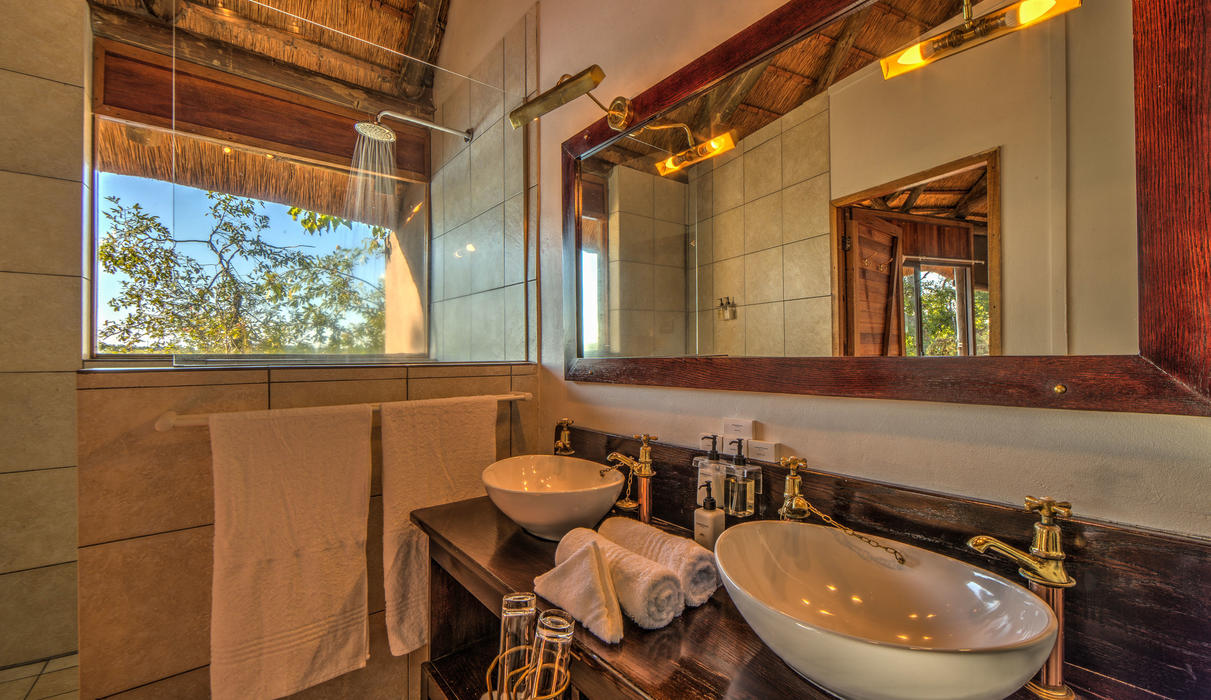 Interior of the en-suite bathrooms at Xugana Island Lodge