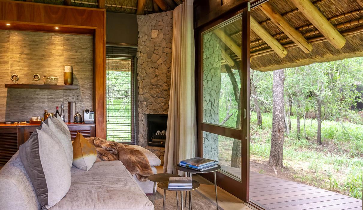 Suite- Lounge