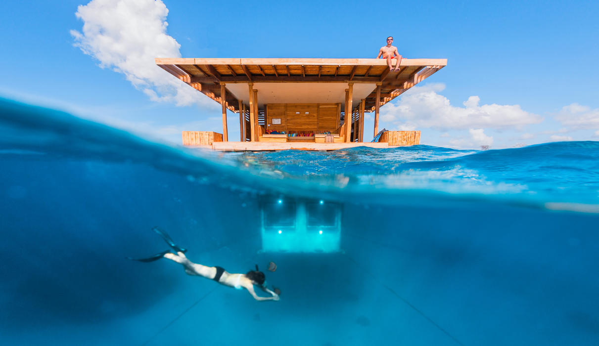 Above and below image of The Underwater Room
