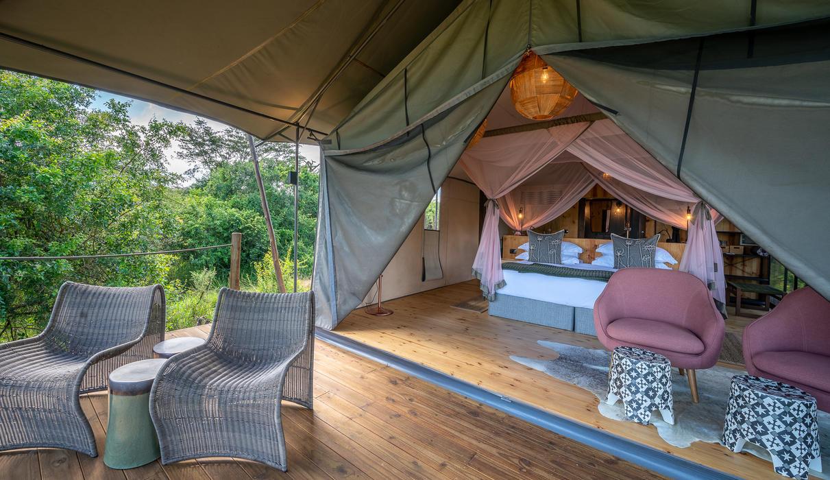 Guest tent deck