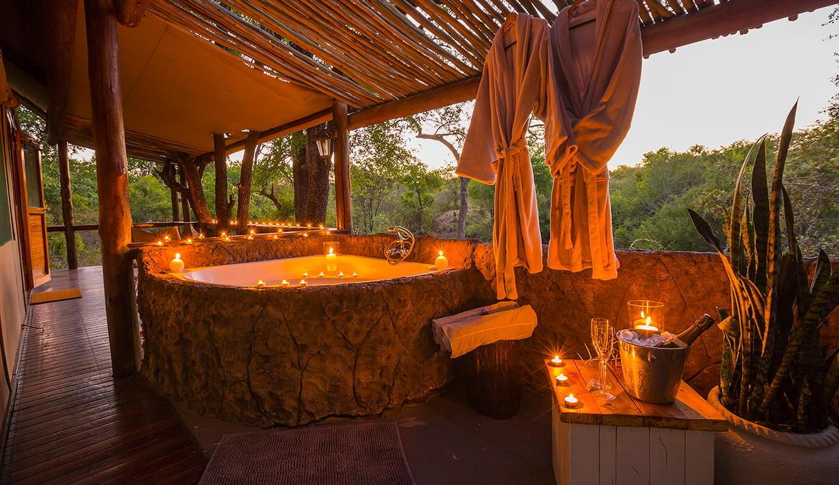 Tent - Outdoor Corner Bath