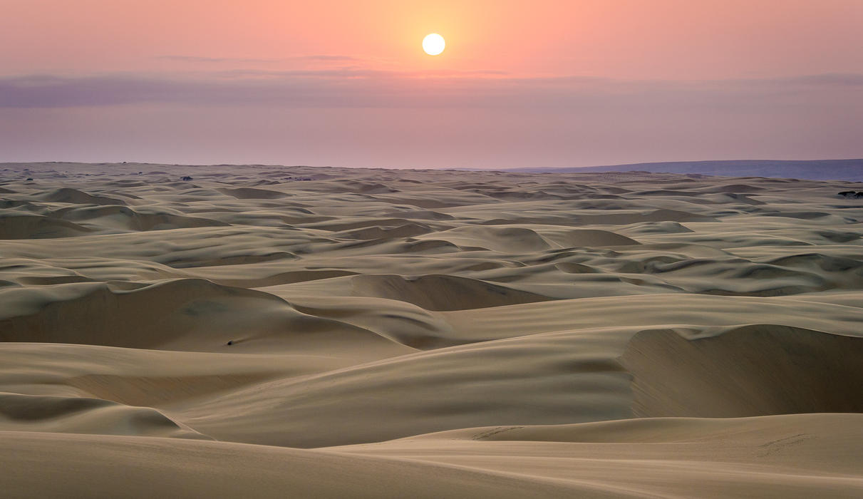 Experience sweeping vistas over the endless dunes
