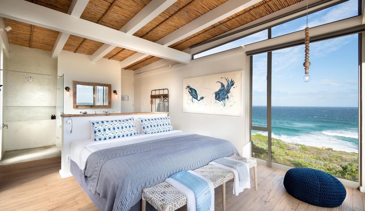 Room interior & view