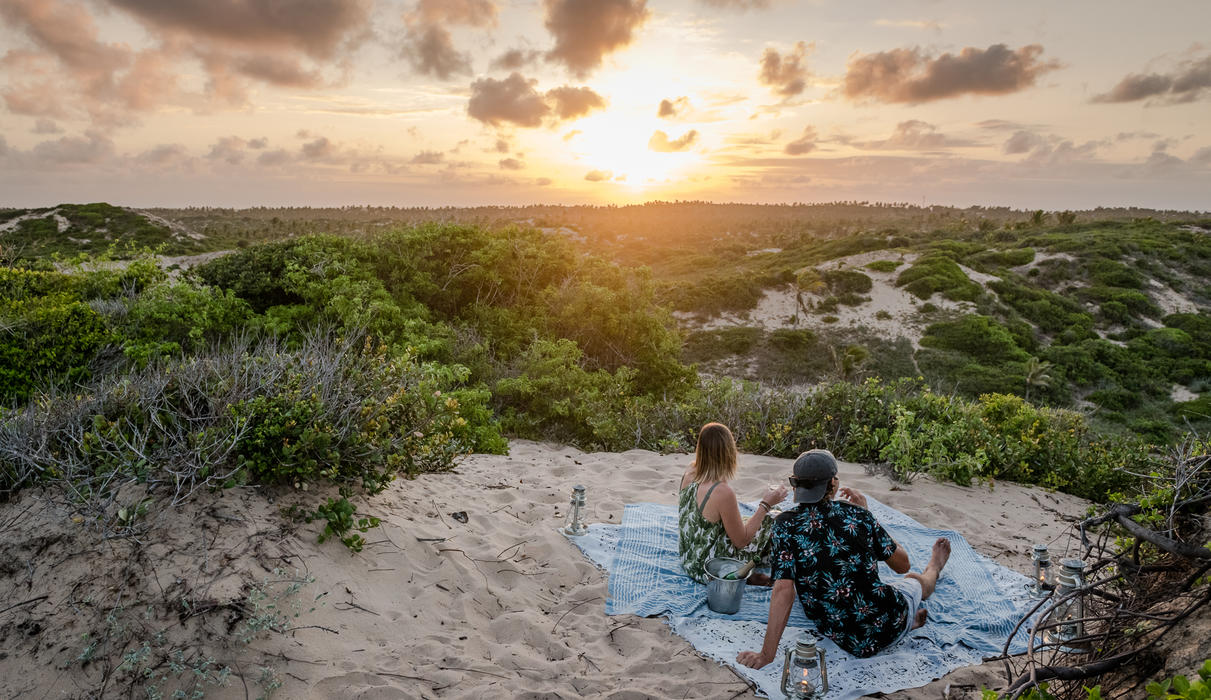 Romantic sundowner sessions at Sava Dunes