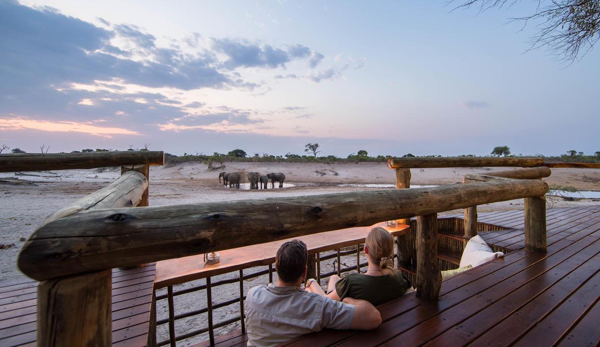 A sunken viewing bench in the main area at Savute Safari Lodge