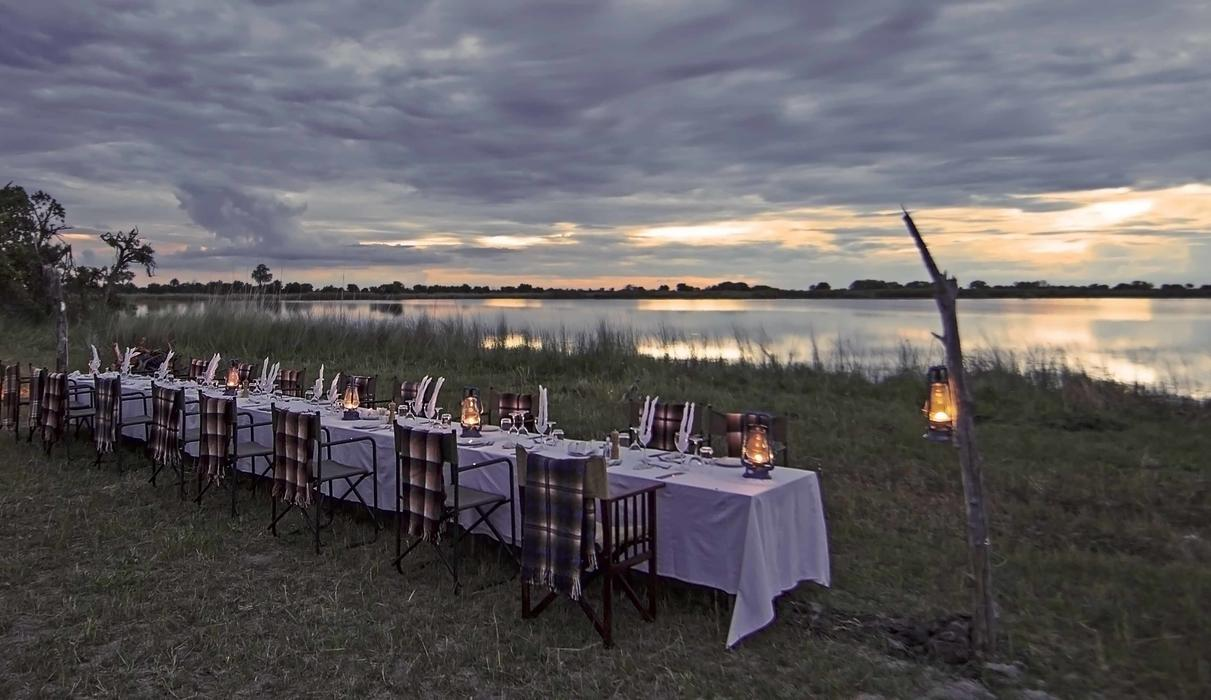 Experience the breathtaking view of Shinde lagoon while dining under the stars.