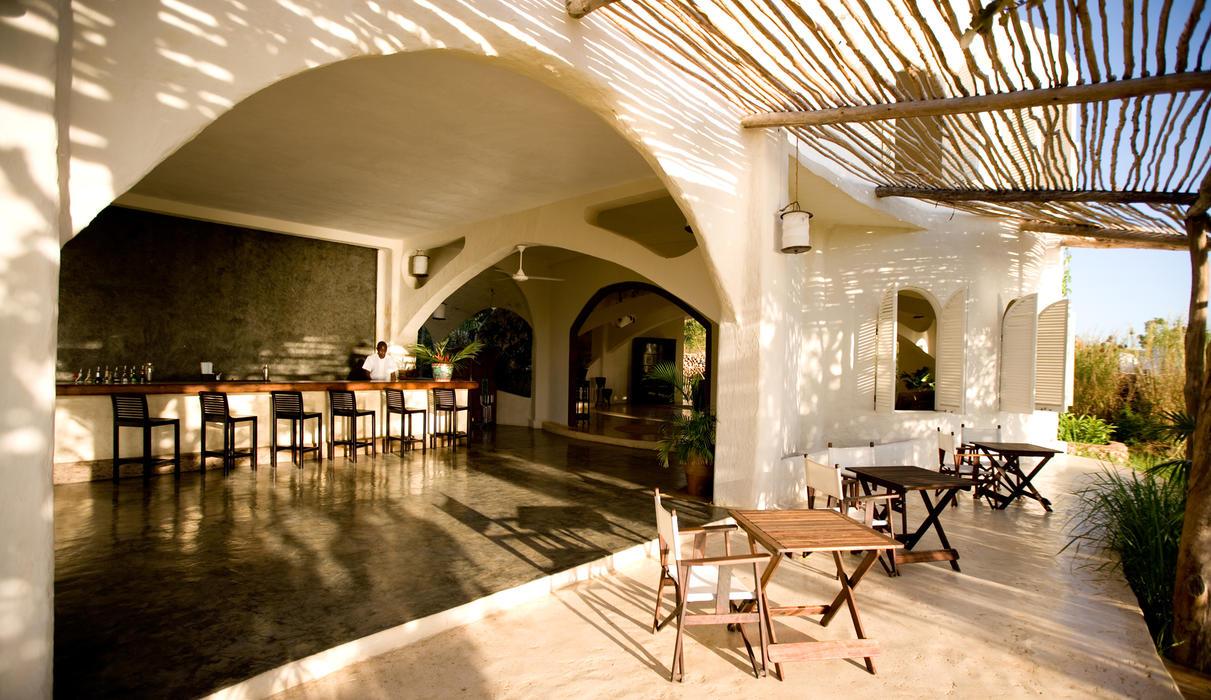 Kilindi's main bar and lounge area