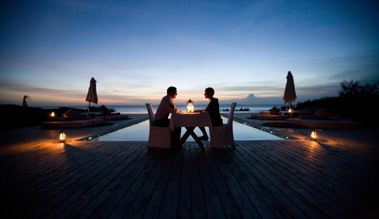 Romantic poolside dining