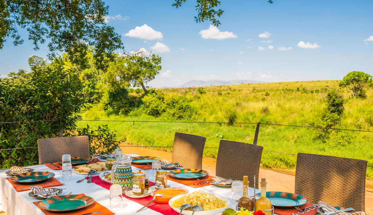Lunch with amazing view of the Mara plains