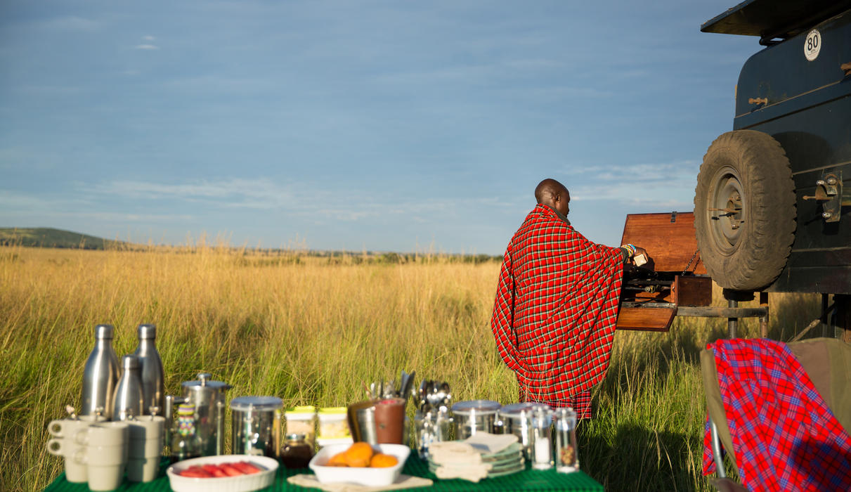 Enjoy a freshly made cook-out bush breakfast