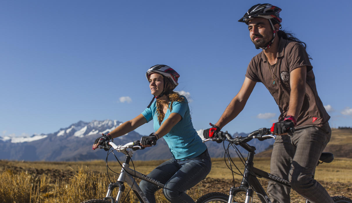 Guided tours to the Sacred Valley by mountain bikes