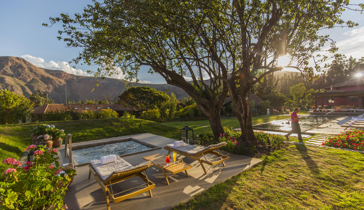 Free  jacuzzi on the Sol y Luna gardens