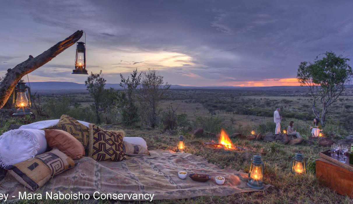 Unique sundowners with a view over the Maasai Mara