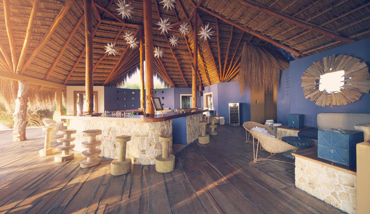 Azura Benguerra Island Star bar