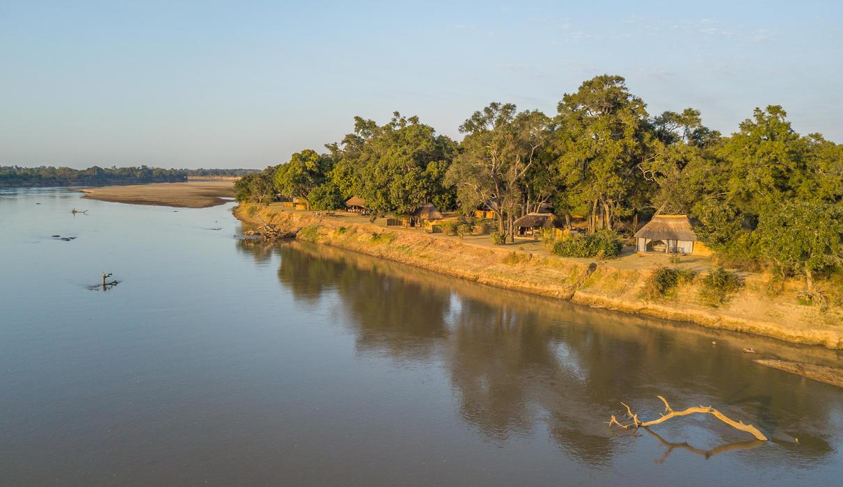 Time + Tide Mchenja's riverfront setting