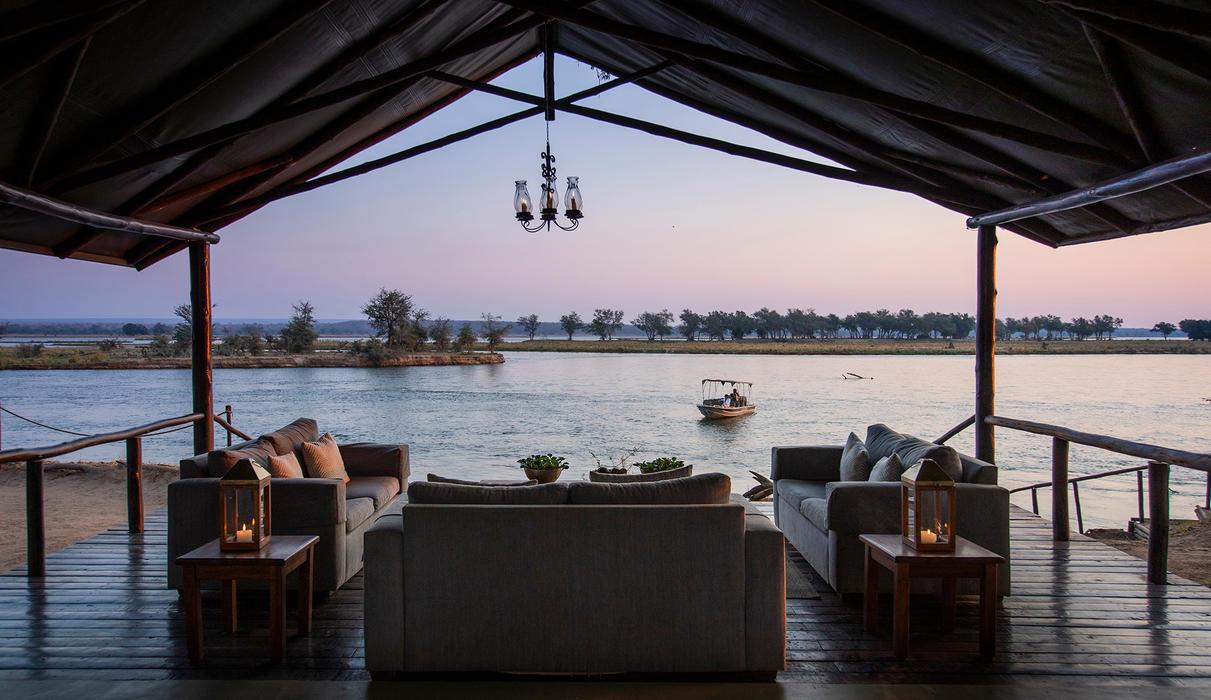 Old Mondoro - lounge at sunset