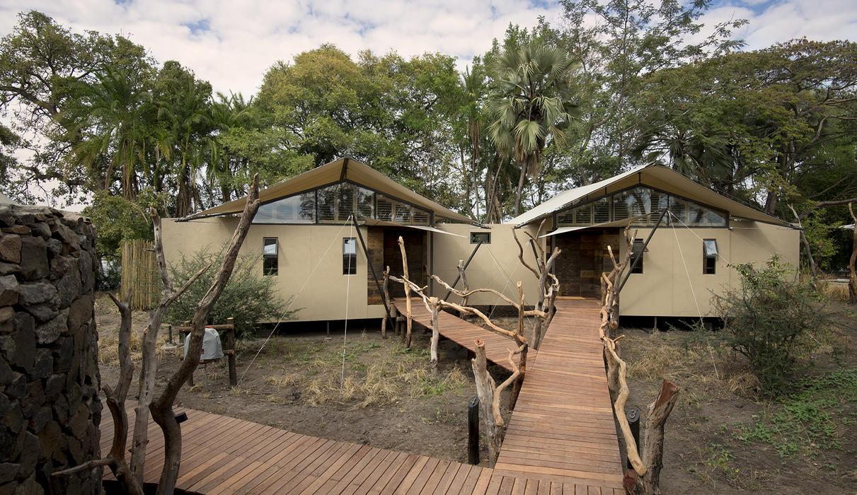 Two interleading suites