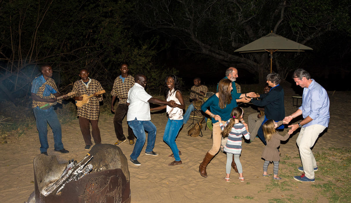 Guests dancing with the Munjile Band