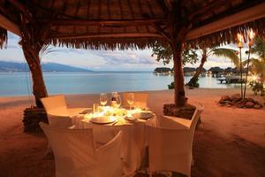 Risultati immagini per polynesian beach dinner