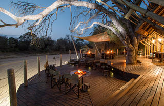 Rhino Post Safari Lodge - Main Deck Firepit