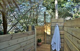 Honeymoon Suite - Outdoor Shower