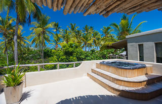Presidential Villa - private hot tub