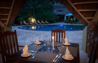 Poolside Dining @ Bayete