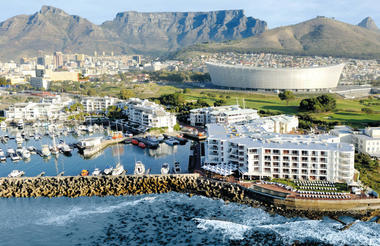 Radisson Blu Hotel Waterfront with Cape Town in the background