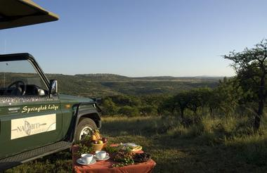 Morning Game Drive stop for coffee and muffins