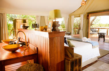 Ila Safari Lodge Guest Tent