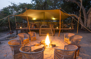 Boma with fireplace at Fig Tree Bush Camp