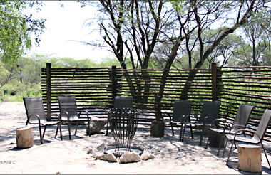 Fiume Bush Camp Boma
