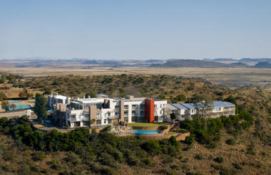 De Stijl Gariep hotel situated in the Bo Karoo, 180 from Bloemfontein