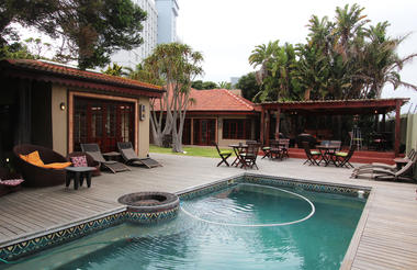 Singa Lodge - Pool Area