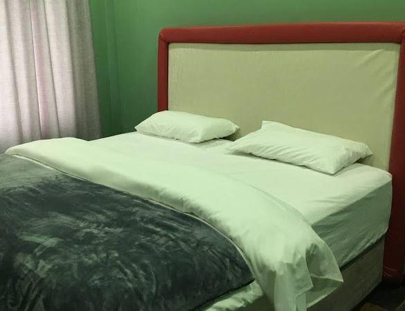 Premium Queen Size Bed