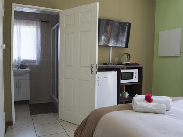 Urban Jungle (Double Room Private)