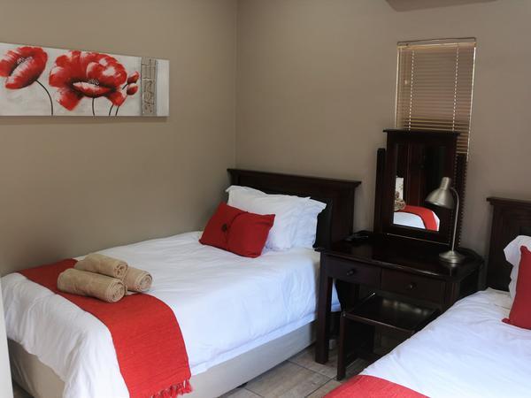 Room 3 (2 x 3/4 beds)