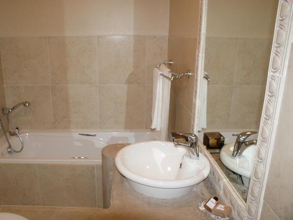 Orangia Double with full bathroom