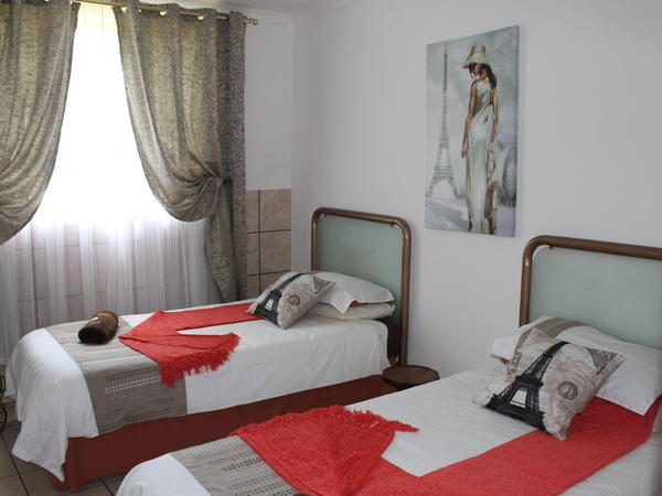 Self-Catering Rooms (Sharing facilities)