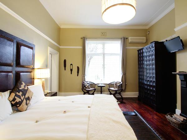 Zebra King Size Room