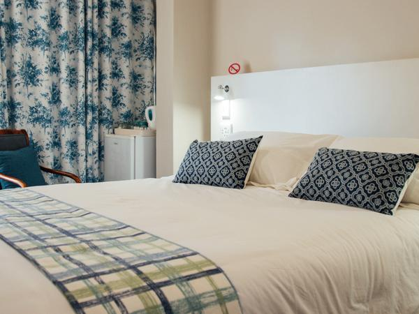 Foxglove Luxury Queen Room