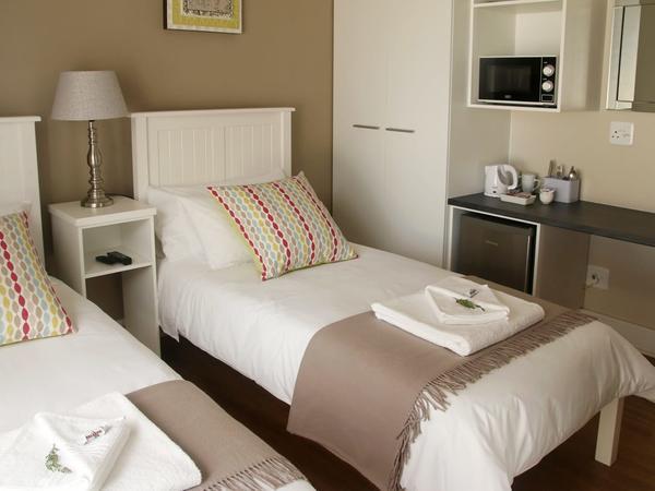Room 4 (Standard)