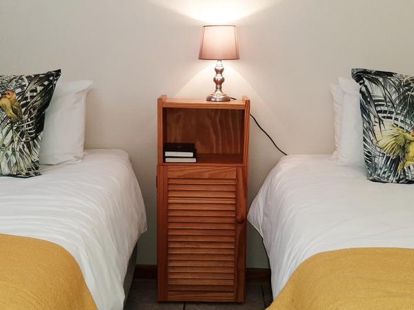 Room 11 - 2 x Single