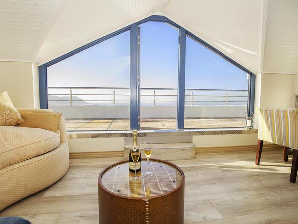 Honeymoon Suite- Mountain & Sea View RJL