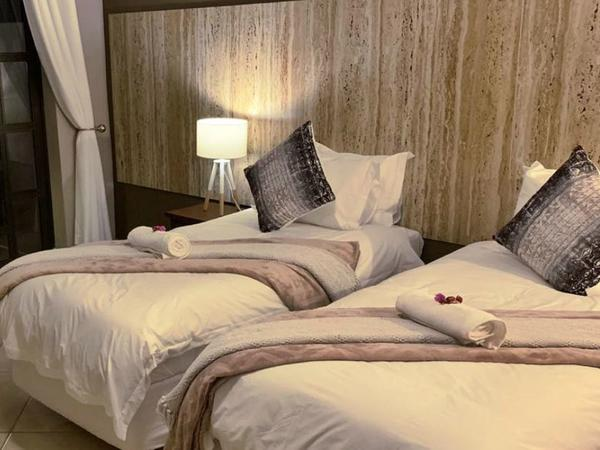 Luxury Room #5